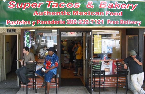 Super Tacos & Bakery Exterior